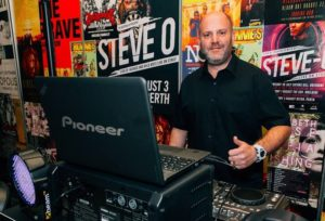 DJ Andy Knights @ The Woodvale Tavern & Reception Centre | Woodvale | Western Australia | Australia